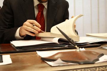 Как найти адвоката (юриста)