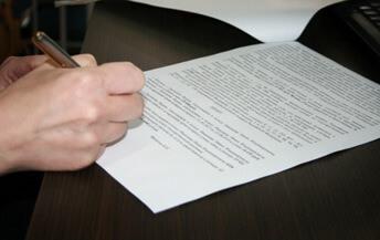ВС сообщил, когда договор о возмездном оказании услуг можно считать трудовым