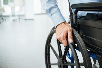Работодателей, не принимающих на работу инвалидов, будут жестче наказывать