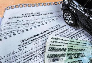 Приставы все жестче наказывают водителей, не платящих штрафы