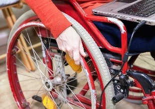 Штрафы за отказ в приеме на работу инвалидов увеличат