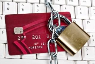 Блокировка счета: разрешается ли платить с него налоги за другое лицо?