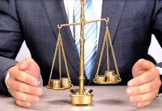 Подлежит ли рассмотрению заявление кредитора по делу о банкротстве, если в производстве суда дело, приостановленное из проведения экспертизы?