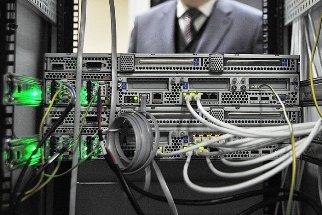 С июля интернет-компании начнут по 6 месяцев хранить весь трафик россиян