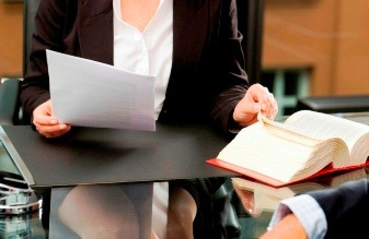 Судебные издержки: чем оправдать привлечение сторонних юристов?