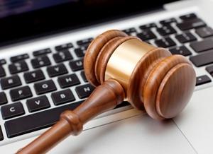 Судебная практика ВС РФ: юрлица будут направлять документы в суд только в электронном виде