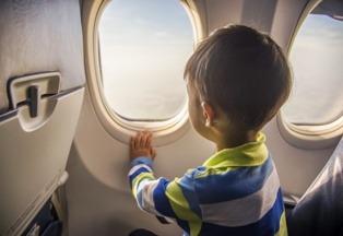 Имею право на путешествия с ребенком в самолете