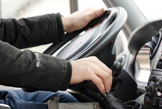 Верховный суд запретил скрывать за договором аренды автомобиля трудовые отношения с водителем