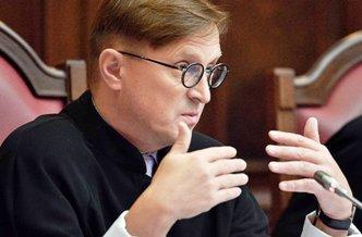 Судья Конституционного суда раскритиковал систему высшего образования и зарплаты преподавателей