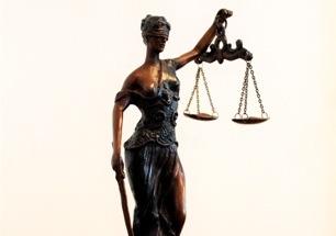 Конституционных судей выведут из-под ограничений закона о противодействии коррупции