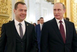 Путин повысил зарплату себе, Медведеву, председателю СК и генпрокурору