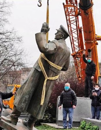 снос памятника Коневу