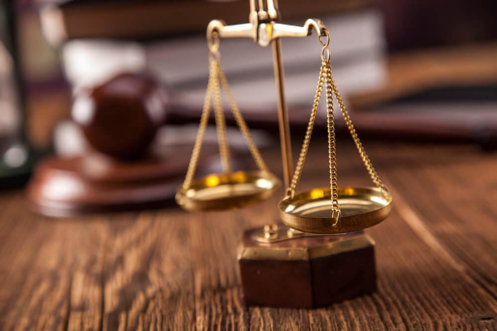 Пристав причинил ущерб. Взыскание ущерба со службы судебных приставов.