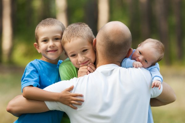 КС РФ защитил право отцов суррогатных детей на маткапитал
