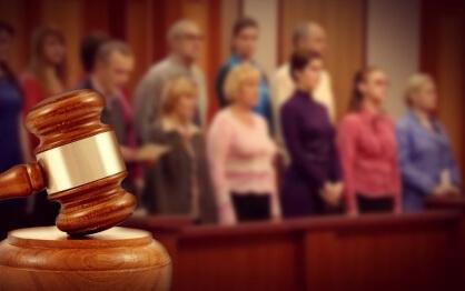 ВС РФ рассмотрел вопрос влияния СМИ на мнение присяжных