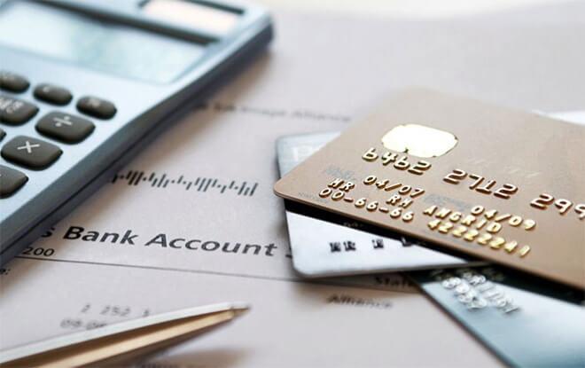 КС РФ решал, можно ли открыть банковский счёт без регистрации