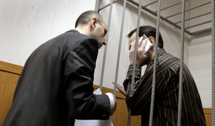 ВС: родственник может защищать интересы обвиняемого наравне с адвокатом