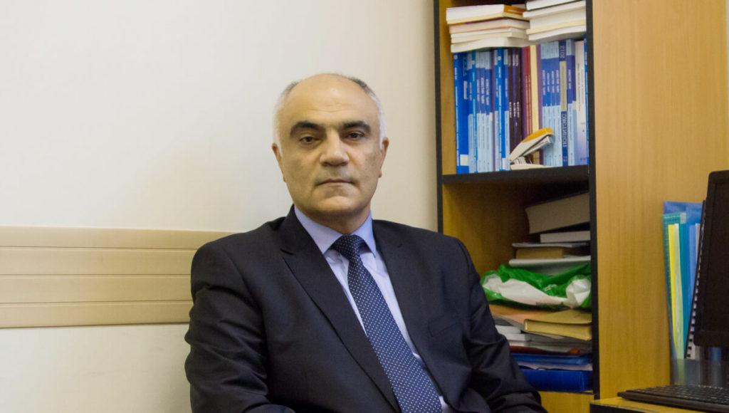 политолог Александр Керимов